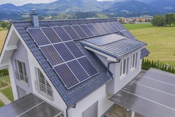 nhập khẩu pin năng lượng mặt trời từ trung quốc