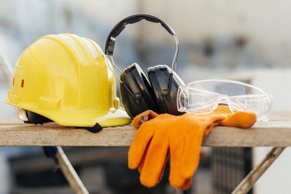 Thủ tục nhập khẩu đồ bảo hộ lao động