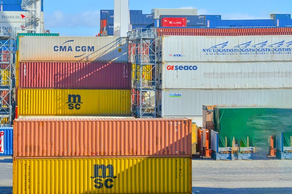 vận chuyển hàng hóa chính ngạch